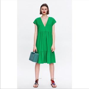 Zara Green V Neck Relaxed Tiered Ruffled Dress M